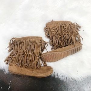 Minnetonka Fringe Lined Low Ankle Moccasin Boot
